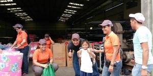 Entrega de donación Sleeping children around the World - Cofradía
